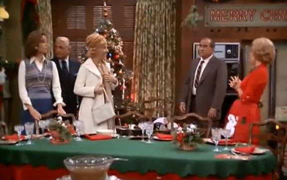 "Mary Tyler Moore ""Not a Christmas Story"" S05 E09"